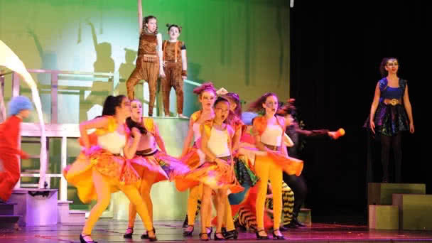 Seussical photo 19