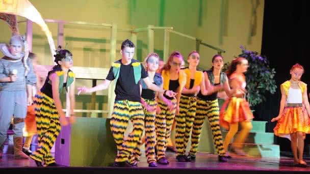 Seussical photo 8