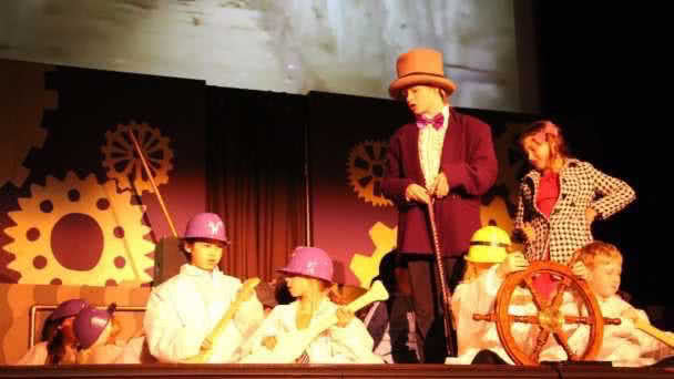 Willy Wonka and the Chocolate Factory photo 1
